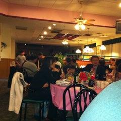 Photo taken at Big Apple Pancake House by jiajia c. on 2/6/2011