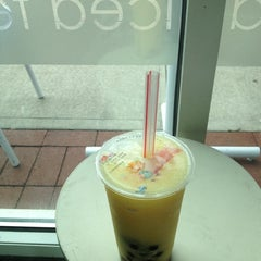 Photo taken at O-CHA Tea Bar by Hannah F. on 8/4/2012