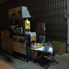 Photo taken at Take Away Burger by Ellyne B. on 6/26/2012