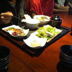 Photo taken at En Grill & Bar by Chiewling T. on 9/9/2011