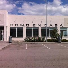Photo taken at Como En Casa by Lucía I. on 4/20/2011