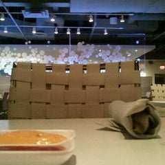 Photo taken at Blanc Burgers + Bottles by Rico Q. on 12/18/2011