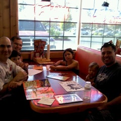Photo taken at Hooters by Gerry G. on 10/15/2011