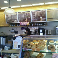 Photo taken at The Coffee Bean & Tea Leaf® by Drew K. on 5/6/2011