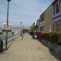 Photo taken at Paseo Atkinson by Pía Constanza A. on 8/10/2012