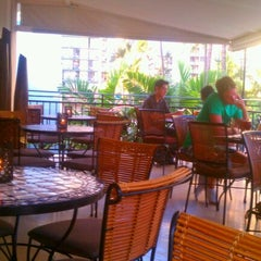 Photo taken at Genius Lounge and Sake Bar by LorynLulu on 8/16/2011