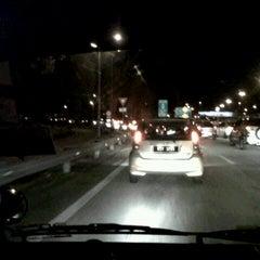 Photo taken at Kesas Exit 511B to Puchong by محمد النسر الفردوسي ب. on 8/23/2012