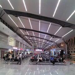 Photo taken at Da Nang International Airport (DAD) Sân bay Quốc tế Đà Nẵng by Lauren on 1/3/2012