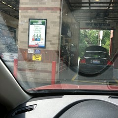 Photo taken at Valvoline Instant Oil Change by Beth G. on 7/7/2011