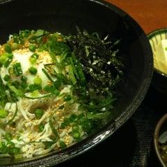 Photo taken at 四季食楽 三地屋 カレッタ汐留店 by Takashi U. on 7/27/2012
