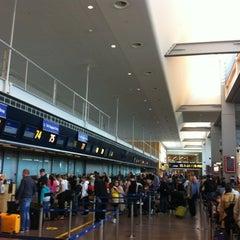 Photo taken at Terminal 5 by Mazaki T. on 6/18/2012