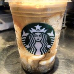 Photo taken at Starbucks by @LorenzoAgustin ☆ on 4/5/2012