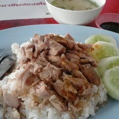 Photo taken at โรงอาหาร อาคารองค์การนักศึกษา (อมช.) by AntIe A. on 3/28/2012