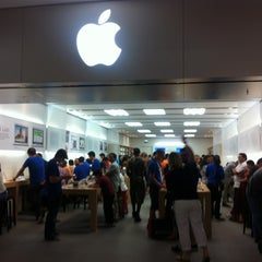 Photo taken at Apple Store, Stoneridge Mall by Mario G. on 6/11/2012
