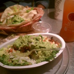 Photo taken at Chipotle Mexican Grill by Karolynna R. on 6/7/2012