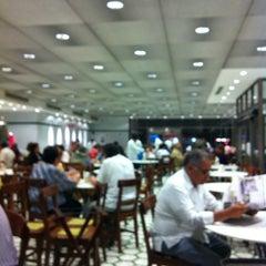 Photo taken at Gran Café de la Parroquia by Rodrigo G. on 3/26/2012