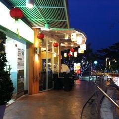 Photo taken at The Paseo (เดอะ พาซิโอ) by Surachart B. on 1/25/2012