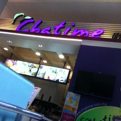 Photo taken at Chatime by Carlo Y. on 11/18/2011