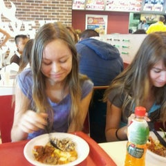 Photo taken at Sbarro - Italský bufet by Nelya A. on 5/12/2012