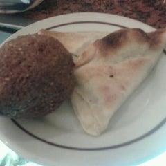 Photo taken at Restaurante Stambul by Gabriel C. on 5/1/2012