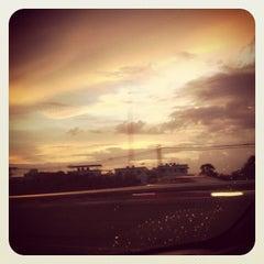 Photo taken at ทางคู่ขนานลอยฟ้าบรมราชชนนี (Borommaratchachonnani Elevated Highway) by Teerachai L. on 6/23/2012