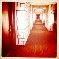 Photo taken at Hotel Sorella CITYCENTRE by Jennifer V. on 4/12/2012