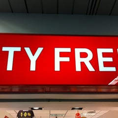 Photo taken at Dufry Shopping by Ricardo M. on 5/17/2012