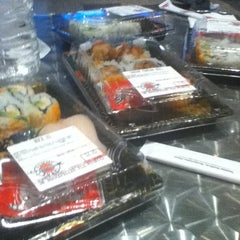 Photo taken at Yummy Sushi by Mari Z. on 8/31/2012