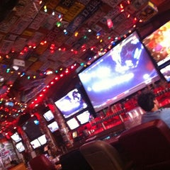 Photo taken at Barney's Beanery by Gilberto E. on 7/29/2011