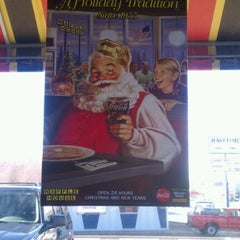 Photo taken at Waffle House by Brian L. on 11/18/2011