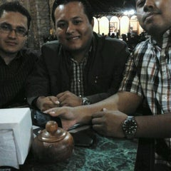 Photo taken at Café Quiptic by Ismael M. on 6/7/2012