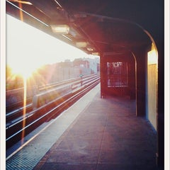 Photo taken at MTA Subway - Halsey St (J/Z) by justinstoned on 9/3/2011