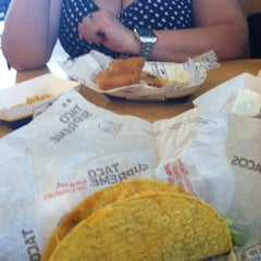 Photo taken at Taco Bell by Will B. on 7/21/2012