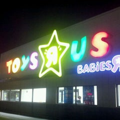 "Photo taken at Toys ""R"" Us by Johnnie V. on 12/24/2011"