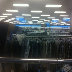 Photo taken at Ross Dress for Less by Quang N. on 5/21/2012
