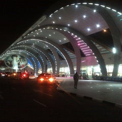 Photo taken at Terminal 3 المبنى by Moe on 8/15/2012