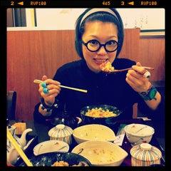 Photo taken at Doraya 定食 by Wai H. on 11/20/2011