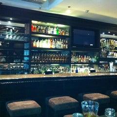 Photo taken at Dillingers 1903 Steak & Brew by Rai E. on 12/20/2011