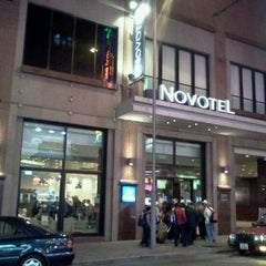 Photo taken at Novotel Hong Kong Nathan Road Kowloon 香港九龍諾富特酒店 by Sutep L. on 10/25/2011