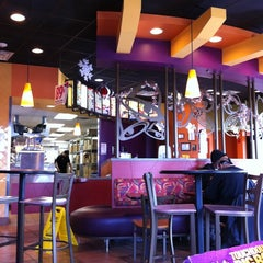 Photo taken at Taco Bell by Siegfried M. on 1/3/2011