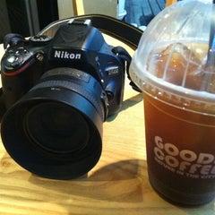 Photo taken at 굿커피 by HyungKi H. on 8/14/2012