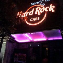 Photo taken at Hard Rock Cafe by Abhishek D. on 10/1/2011