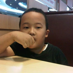 Photo taken at Burger King by Ahmad S. on 1/7/2012