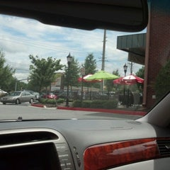 Photo taken at Doc Green's Gourmet Salads and Grill by OvenPOP 360 S. on 7/11/2012