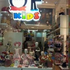 Photo taken at Loja Of Kids by Beatriz W. on 9/29/2011