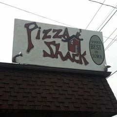 Photo taken at Pizza Shack by Duane L. on 9/1/2012