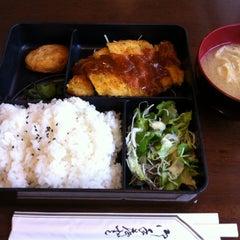 Photo taken at 壹番館 by hiroshi k. on 4/18/2012