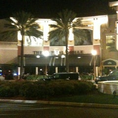 Photo taken at The Capital Grille by Fred W. on 3/28/2011