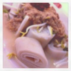 Photo taken at Mek T Restaurant by Muhamad F. on 11/5/2011