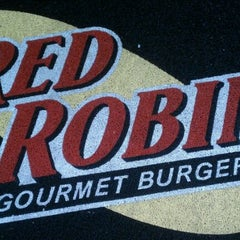 Photo taken at Red Robin Gourmet Burgers by Caryn M. on 8/27/2011